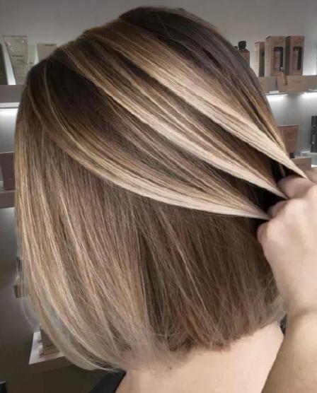 Bronde-Balayage-for-Straight-Shorter-Hair