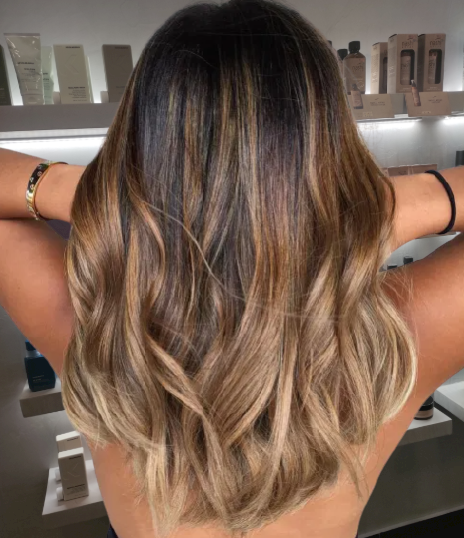 Medium-Hair-with-Copper-and-Beige-Highlights